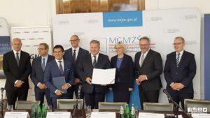 Podpisanie listu intencyjnego ws. rozbudowy infrastruktur LNG w Porcie Gdynia. Fot.: Port Gdynia