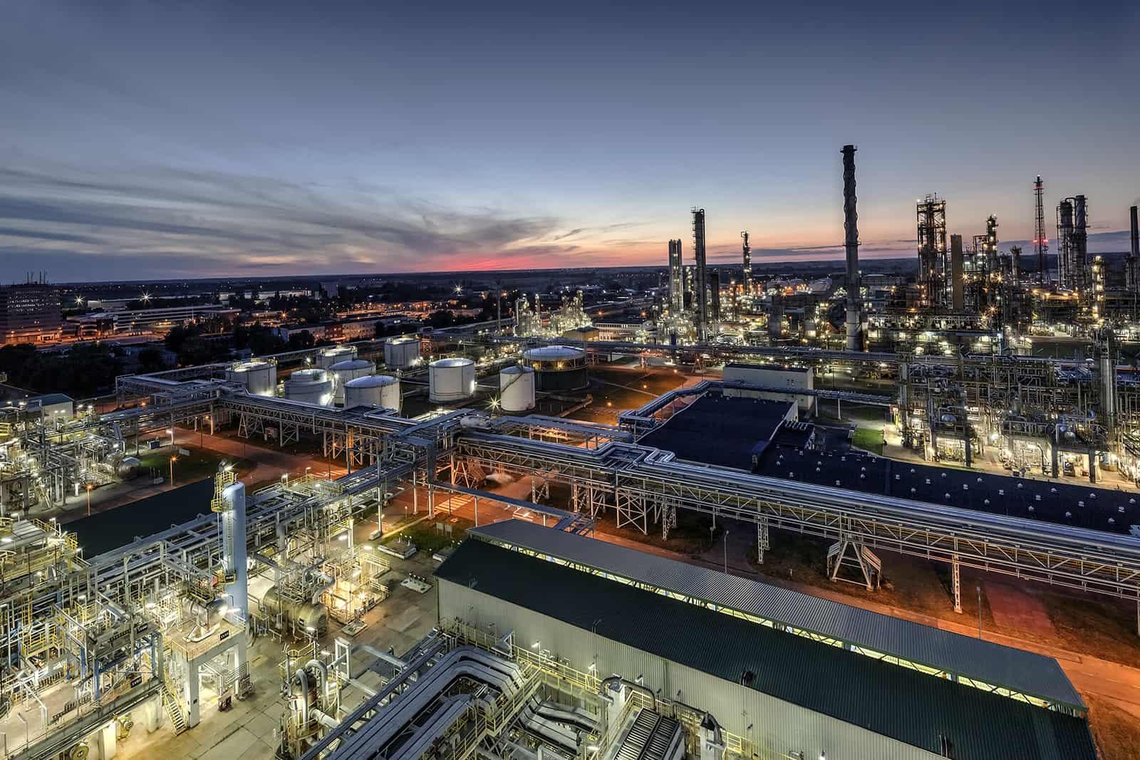 Orlen dywersyfikuje dostawy ropy. Coraz mniej surowca kupuje od Rosnieftu