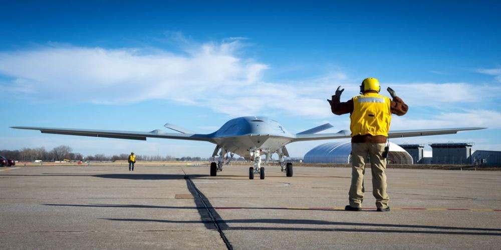 Lotniskowce US Navy wkraczają w erę maszyn bezzałogowych