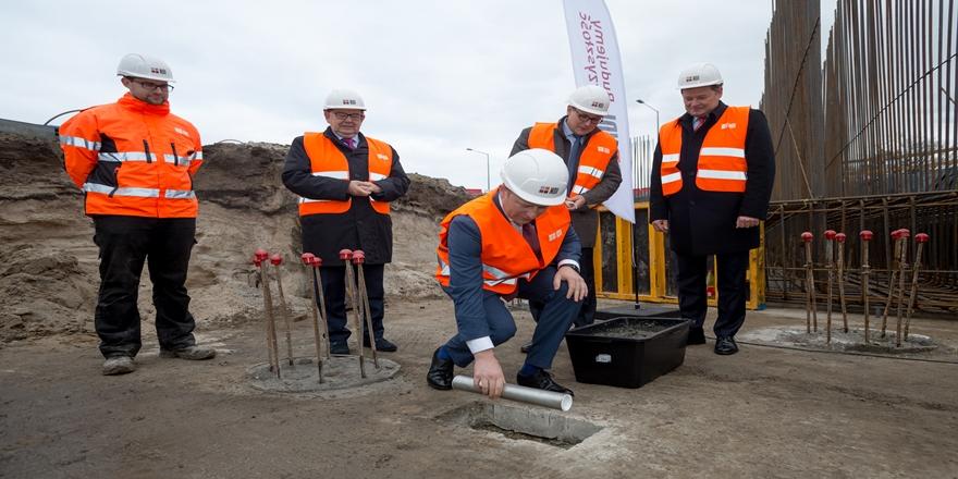 Port Gdańsk pędzi z inwestycjami. Kamień węgielny pod nowy wiadukt