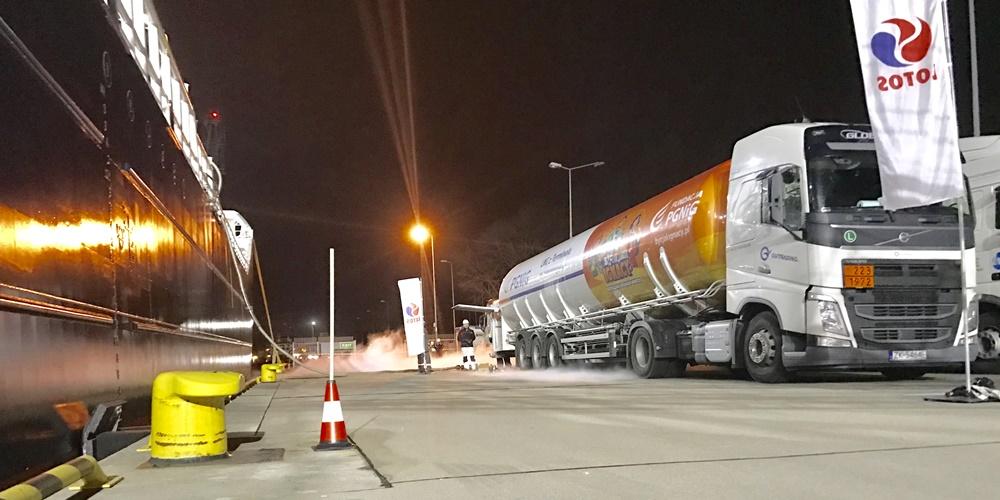 LOTOS i PGNiG: pierwsze komercyjne bunkrowanie statków w polskich portach morskich skroplonym gazem ziemnym LNG