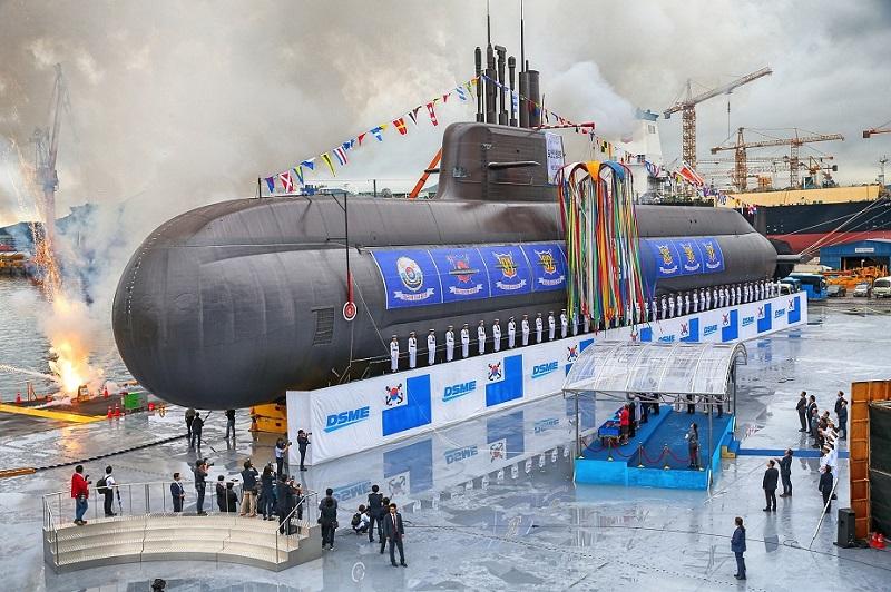 Daewoo Shipbuilding & Marine Engineering buduje tak nowoczesne okręty, jak zaprojektowane lokalnie podwodne typu Dosan Ahn Changho z napędem AIP i wyrzutniami pionowymi pocisków manewrujących. Fot. DSME