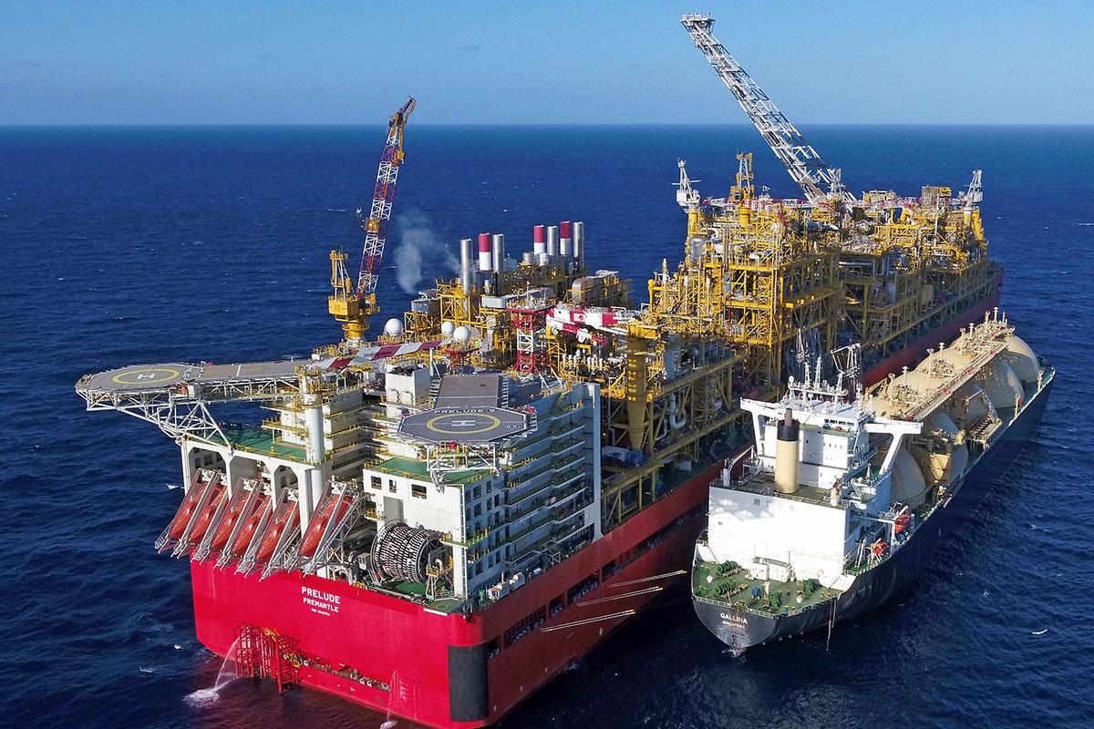 Shell wysłał pierwszy ładunek skroplonego gazu z potężnej jednostki Prelude FLNG